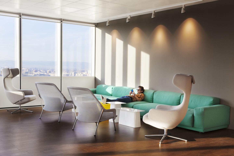 Grand Repos Easy Chair Vitra