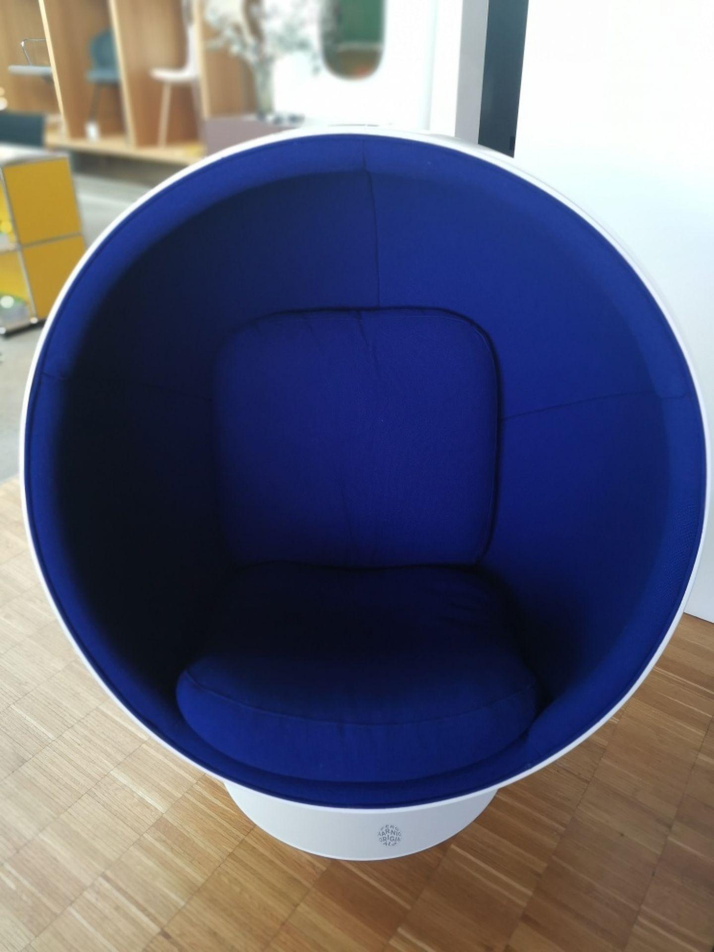 Ball Chair Hallingdal Blue 753 Eero Aarnio Originals EXHIBITION PIECE