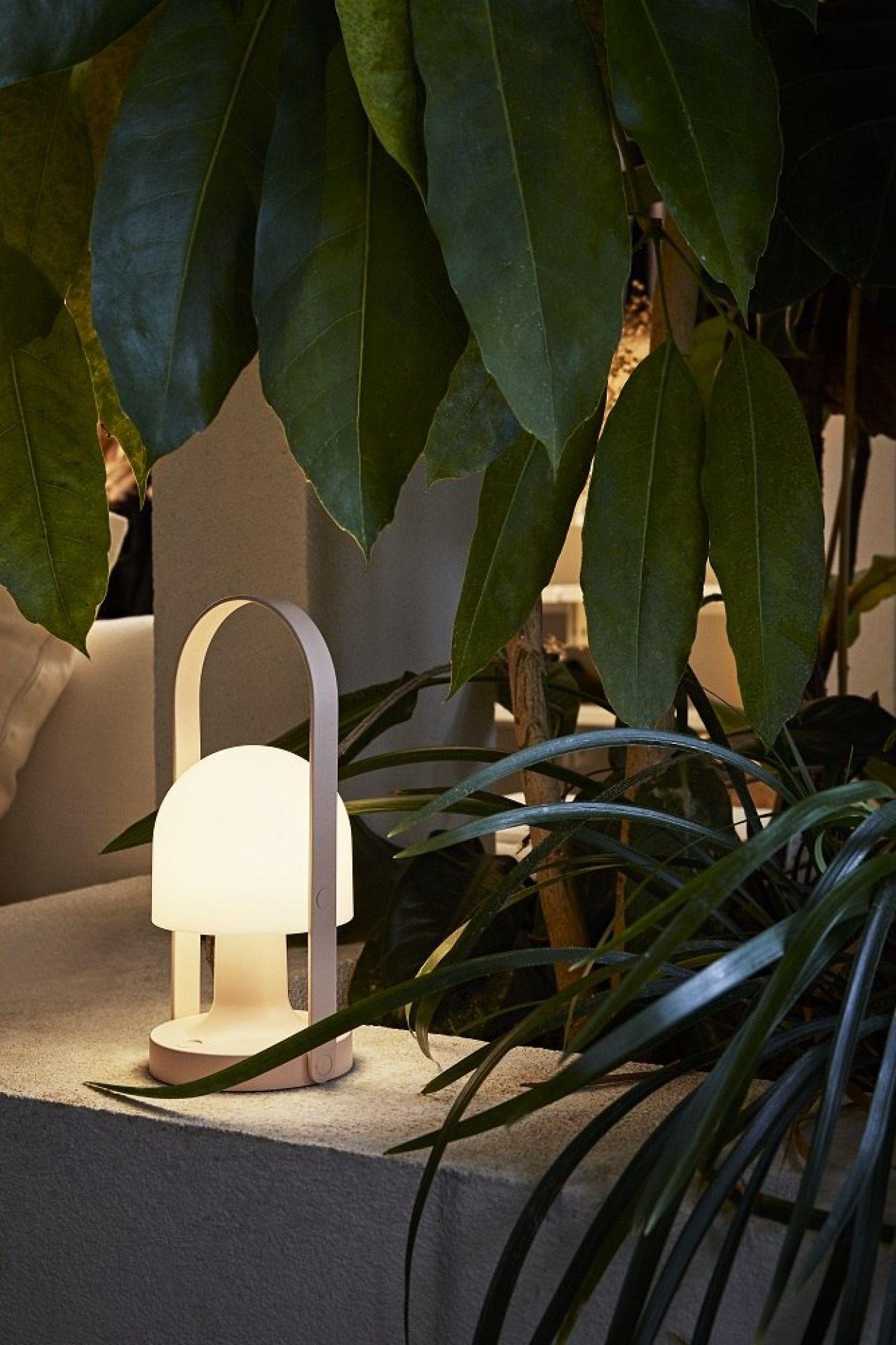 FollowMe Color LED Battery lamp / Table lamp marset