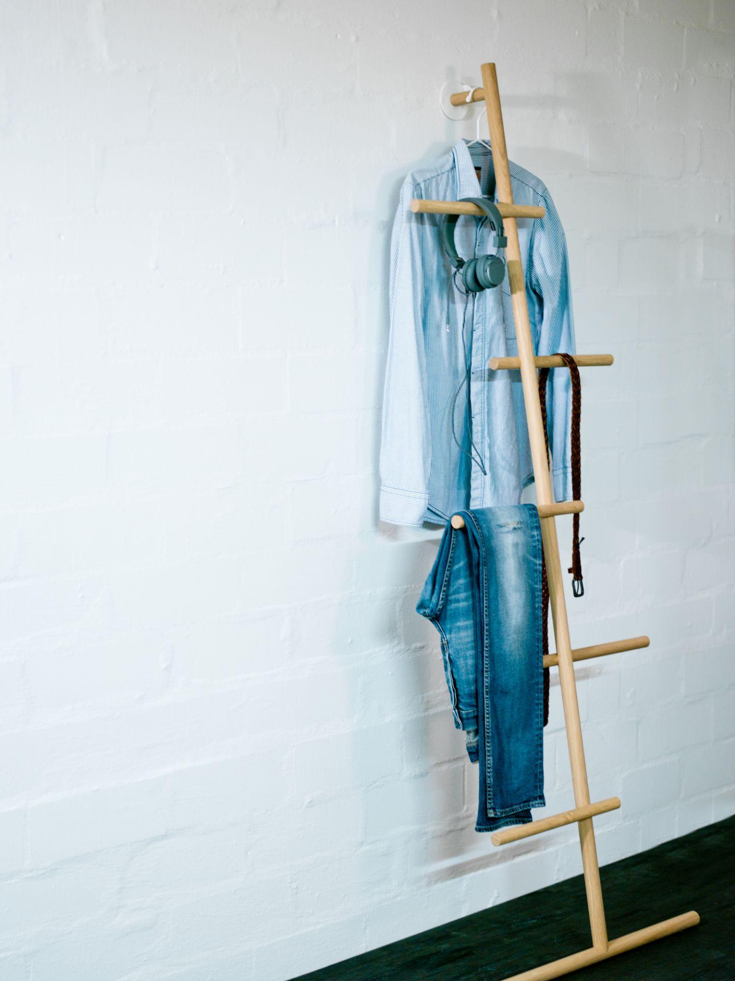 Wendra Leaning Wardrobe Kommod